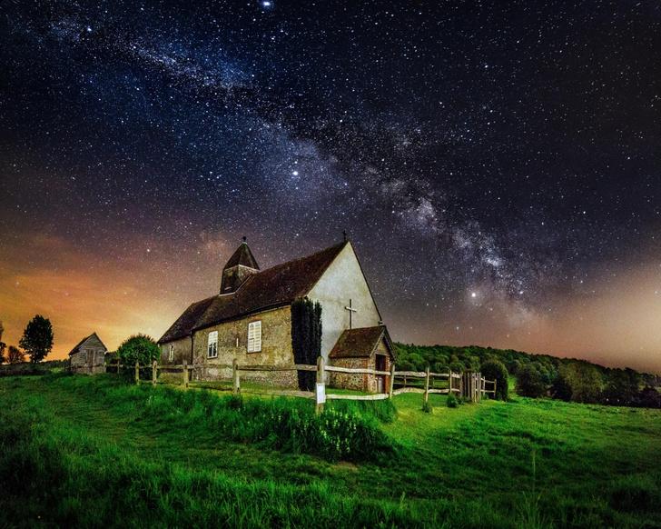 Фото №1 - Церковь под звездами