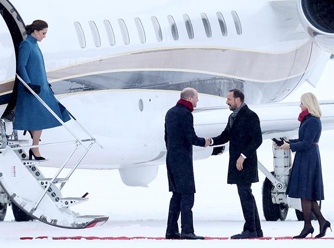 Фото №2 - Кейт Миддлтон и принц Уильям в Норвегии: день первый