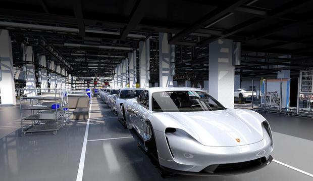 Фото №3 - Как Porsche усмиряет электричество