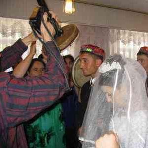 Фото №1 - В Таджикистане будут штрафовать за пышные свадьбы
