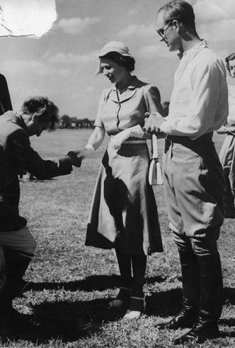 Фото №4 - Как принц Филипп сообщил Елизавете о смерти ее отца
