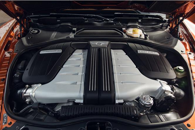 Фото №6 - Cамый быстрый четырехдверный Bentley в истории — Flying Spur W12 S