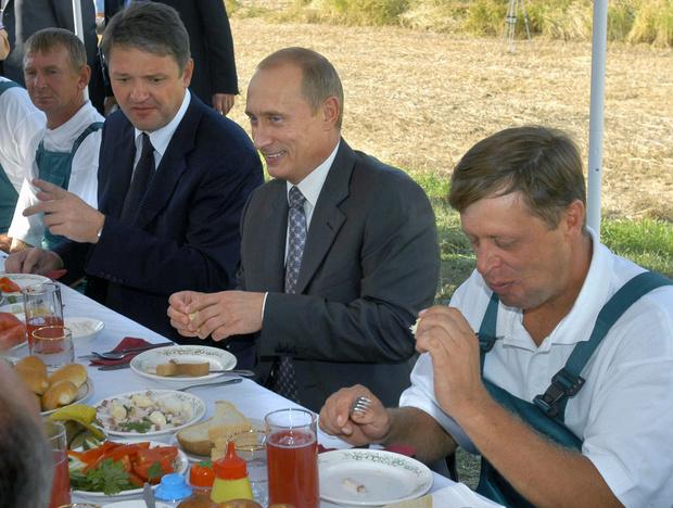 Фото №2 - Борщ для президента: личный повар Путина раскрыл его кулинарные предпочтения