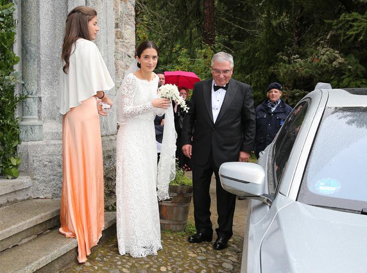 Фото №3 - Минус один принц: как прошла королевская свадьба в Швейцарии