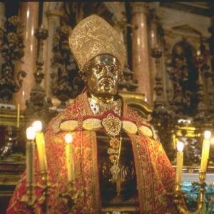 Фото №1 - В Неаполе вновь произошло чудо св. Януария
