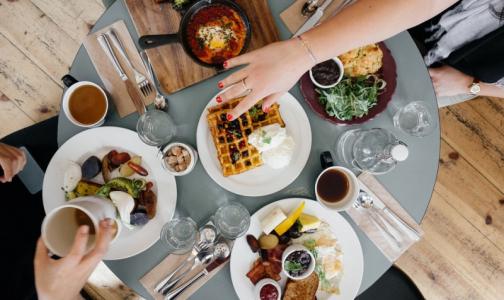 Фото №1 - Диетологи: 14 «полезных советов» о питании, которым вовсе не полезно следовать