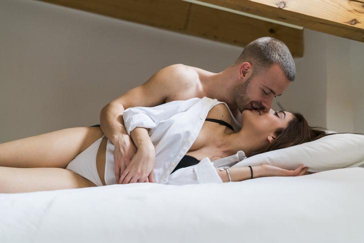 Фото №1 - Секс по дружбе: 8 основных правил