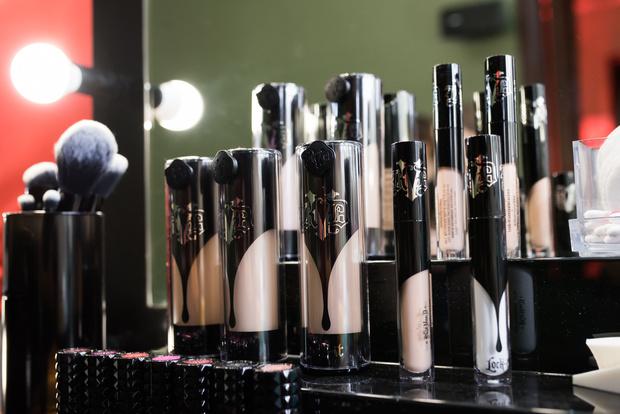 Фото №4 - Косметический бренд Kat Von D Beauty теперь есть в России