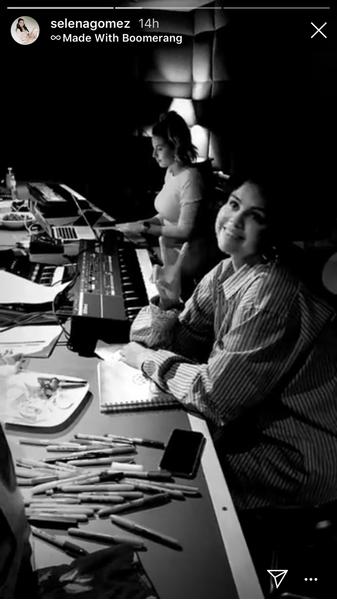 Фото №1 - Селена Гомес дразнится, что работает над новым альбомом