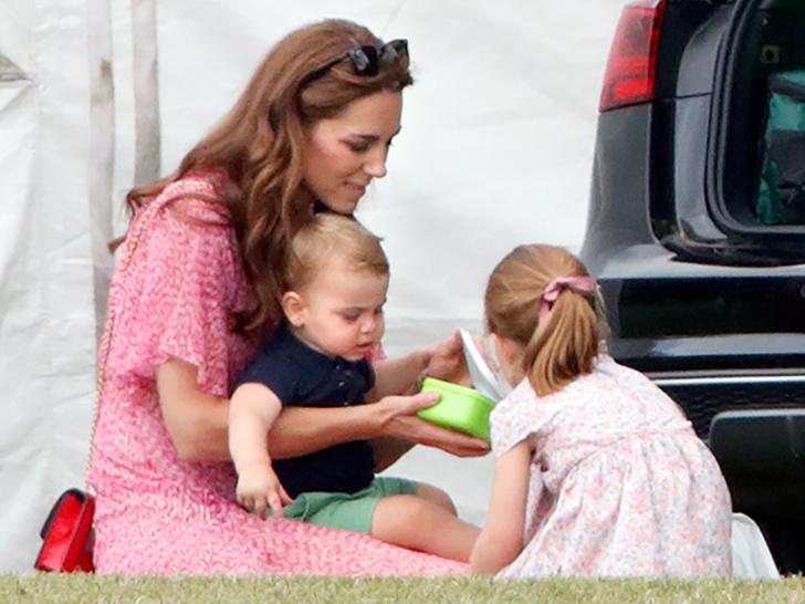 Фото №3 - Привычки Кембриджских: чем каждое утро завтракают Джордж, Шарлотта и Луи