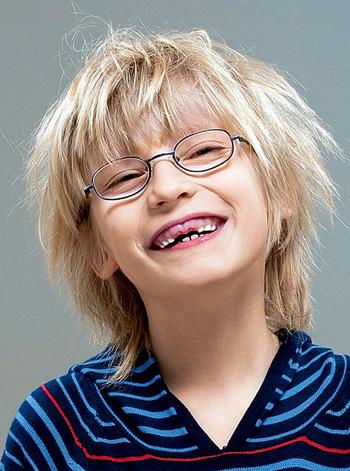 Фото №1 - Почему у человека растут сперва молочные зубы, а не сразу коренные?