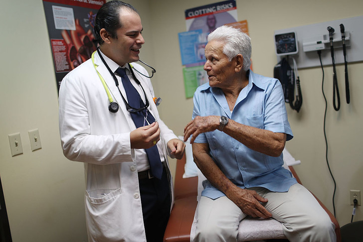 Фото №1 - Важна ли пациентам внешность врача