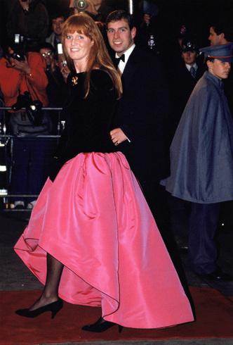 Фото №3 - Герцог и герцогиня Скандал: как Сассекские повторяют печальную историю Йоркских