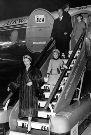 Фото №5 - Как Королева отреагировала на сообщения об измене принца Филиппа