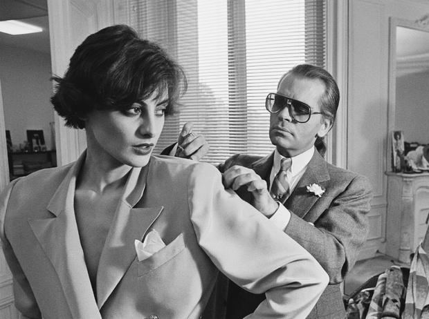 Фото №1 - Революции Карла Лагерфельда: 5 способов править миром моды