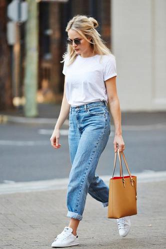Фото №1 - С чем носить белую футболку: 10 простых и стильных образов