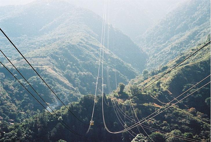 Фото №1 - Названы самые впечатляющие канатные дороги мира
