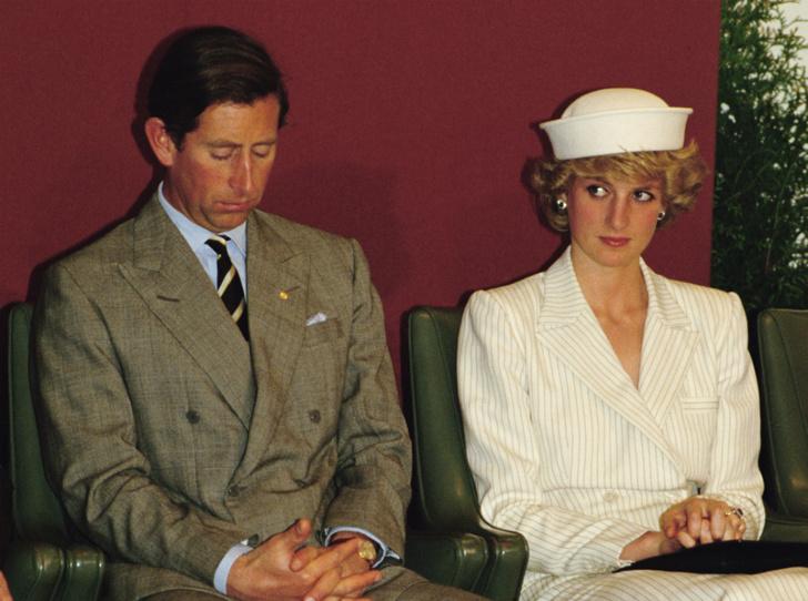 Фото №1 - Причина краха: кого принц Чарльз винил в своем неудачном браке с Дианой