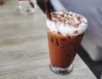 Кофе с пломбиром, сладкий кофе, какой кофе пить вечером
