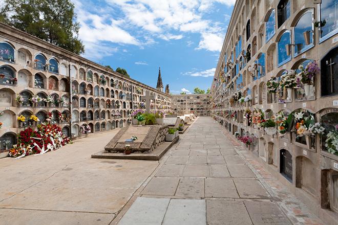 Фото №4 - Уйти красиво: удивительные погребальные обряды Испании, Бали и Мексики