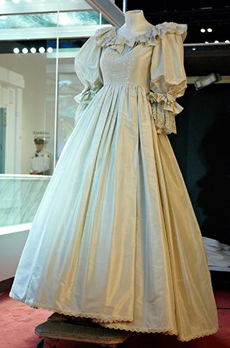 Фото №12 - Свадебное платье-катастрофа принцессы Дианы