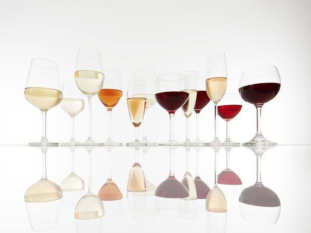 Фото №2 - Столовый этикет: как правильно подбирать бокалы под вино