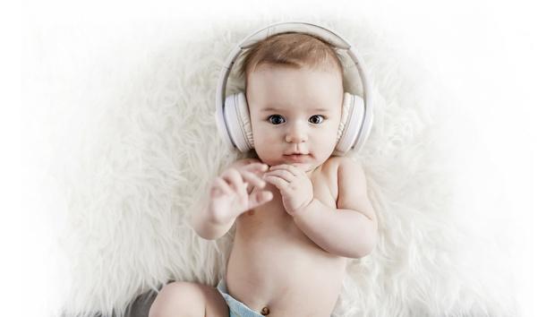 Фото №1 - Мир звуков: как определить, хорошо ли малыш слышит