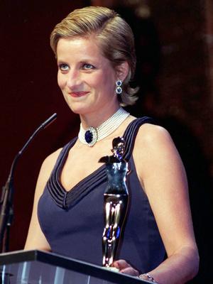 Фото №4 - Наследие Дианы: как Кейт изменила украшения принцессы Уэльской