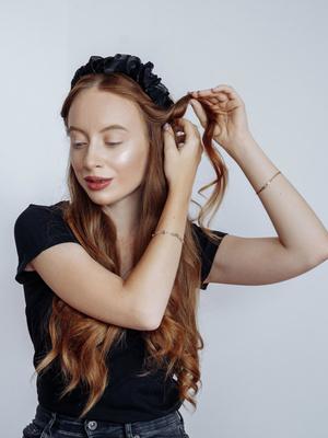Мелкие волны на волосах на каре фото поашгово, Женские модные прически 2020 2021 с косами на длинные и короткие волосы