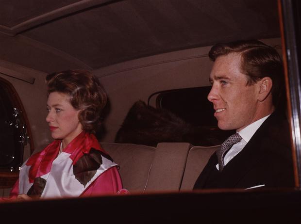 Фото №1 - Чужой во дворце: почему придворные объявили войну мужу принцессы Маргарет