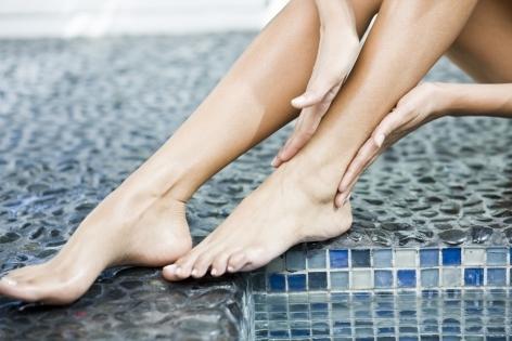 Лечение отеков ног: самомассаж