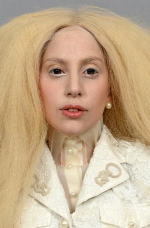Фото №17 - Как хорошела Леди Гага: все о громких бьюти-экспериментах звезды