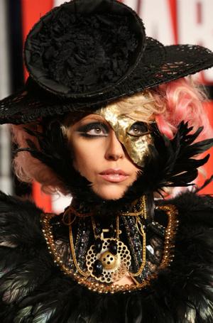 Фото №4 - Как хорошела Леди Гага: все о громких бьюти-экспериментах звезды