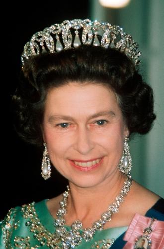 Фото №8 - Королева красоты: бьюти-правила Елизаветы II