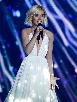 Фото №2 - Полина Гагарина вышла в финал «Евровидения»