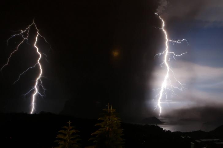 Фото №1 - Извержение вулкана Тааль на Филиппинах