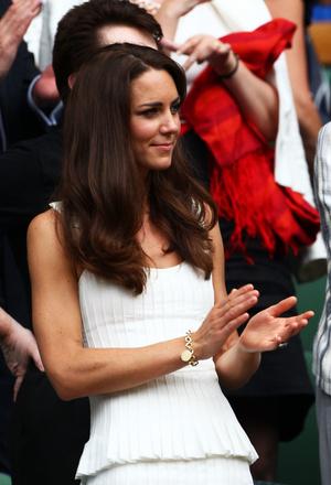 Фото №10 - Эти украшения занимают особое место в сердцах членов королевской семьи— и вот почему