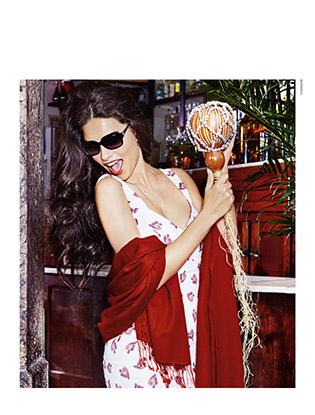 Фото №1 - Адриана Лима снялась в рекламной кампании Vogue Eyewear
