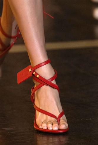 Фото №23 - Самая модная обувь весны и лета 2020: советы дизайнеров