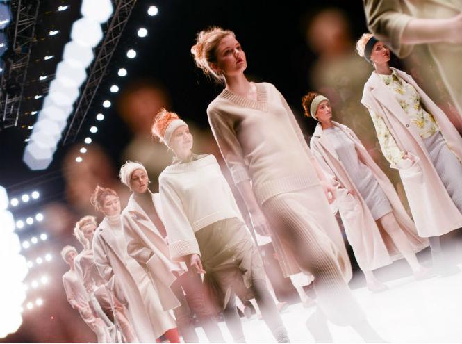 Фото №1 - Смотрите показы недели моды MBFW online