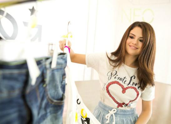 Фото №1 - Селена Гомес стала дизайнером adidas NEO Label