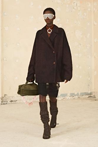 Фото №61 - Полный гид по самой модной верхней одежде на осень и зиму 2021/22