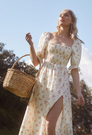 Фото №6 - Загородная романтика: 15 летних платьев в пасторальном стиле