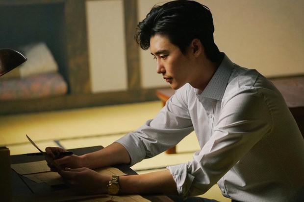 Фото №20 - Топ-20 самых красивых корейских актеров
