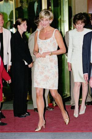 Фото №14 - Как принцесса Диана одевалась в 90-е годы