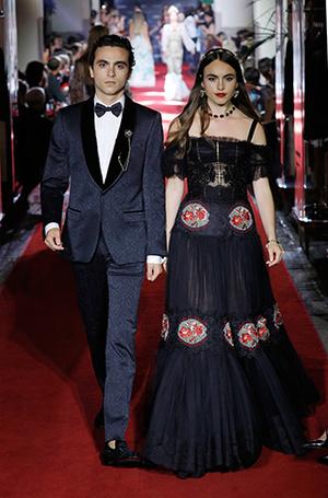 Фото №21 - Аристократки на секретном показе Dolce & Gabbana в Милане
