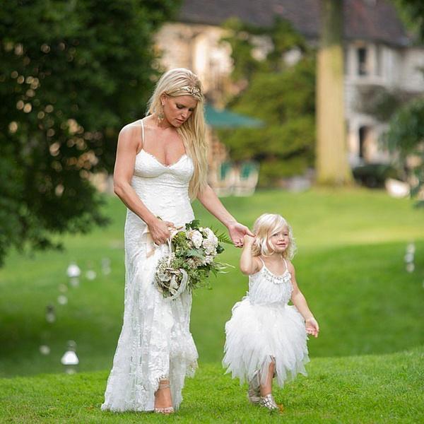 Фото №4 - Эшли Симпсон и Эван Росс наконец-то поделились свадебными фото