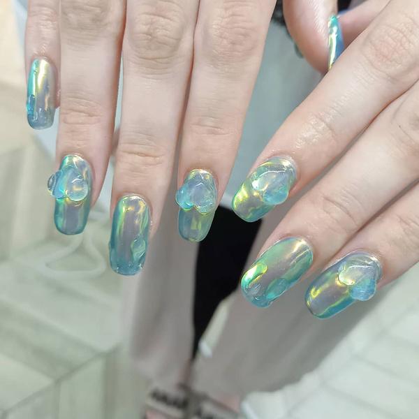 Фото №6 - Северное сияние на ногтях: трендовый маникюр из Инстаграма