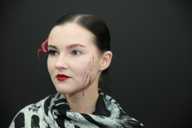 Фото №8 - Как создать простой beauty-образ на Хэллоуин