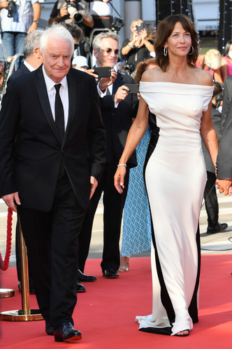 Фото №21 - Хадид с обнаженной грудью и Хилл в «нарисованном» платье: самые сексуальные образы звезд на Каннском кинофестивале